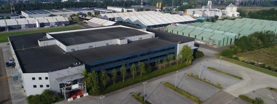 Verkocht: Bree - Expodroom met bijhorende industriële gebouwen