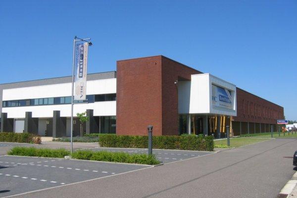 Verkocht: Beringen (Paal) - Logistieke site met kantoorpand